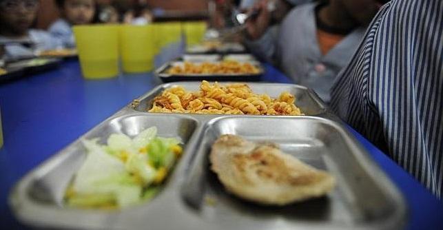 Sabadell destinarà més de 475.000 euros a ajuts de menjador escolar, un 32% més respecte al cursanterior